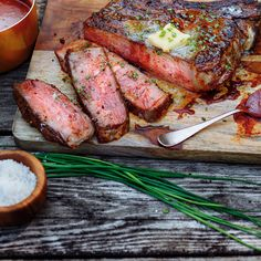 This impressive piece of beef would be right at home on The Flintstones! Taken from the rib area, tomahawk steak is super-thick with a distinctive long bone. Beef Rib Steak, Beef Ribs, Fun Easy Recipes, Easy Meals, How To Prepare Steak, New Pressure Cooker, Barbecue, Warm Potato Salads, Grilling