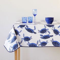 Blue turtle-print laminated tablecloth - Underwater Collection - TABLEWARE | Zara Home United States of America