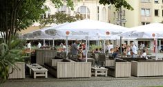 Es gibt sehr schöne Loungegruppen im Programm, die zu einem langen Sommerabend unter dem Sternenhimmel einladen – ideal zum Entspannen. http://www.schnieder.com/gastronomiemoebel/outdoor.html