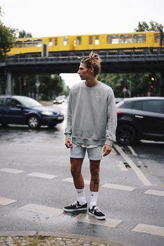 Richy Koll - Nike Sneakers, Nike Socks, Urban Outfitters Shorts, Nike Sweatshirt, Lifestyle - Fashionweek berlin -> www.richywho.com
