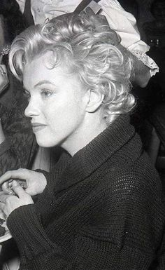 Marilyn at the Ram restaurant in Sun Valley, Idaho, 1956.