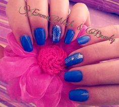Semipermanente blu EmmeNails FB: https://m.facebook.com/EmmeNailsOfficial/?ref=bookmarks