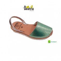 Color verde agua que evoca el mar Mediterráneo en estas sandalias abarcas de piel para chica o mujer con suela de plataforma con yute y EVA ligero blanco de Beatria Shoes  Del 35 al 41