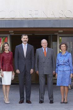 (L-R) Queen Letizia of Spain, King Felipe VI of Spain, King Juan Carlos and Queen Sofia attend the 40th anniversary of Reina Sofia Alzheimer Foundation on May 22, 2017 in Madrid, Spain.