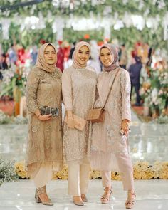 Tunik celana hijab - Another! Kebaya Modern Hijab, Model Kebaya Modern, Kebaya Hijab, Kebaya Muslim, Kebaya Brokat, Hijab Gown, Hijab Dress Party, Hijab Style Dress, Dress Brukat