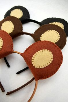 Try your hand at making these DIY felt bear ear headbands for a teddy bear birthday party. Picnic Birthday, First Birthday Parties, Masha Et Mishka, Teddy Bear Costume, Teddy Bear Birthday, Masha And The Bear, Bear Crafts, Bear Theme, Bear Ears
