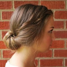 The 5 minute updo! Such a pretty and simple tutorial!