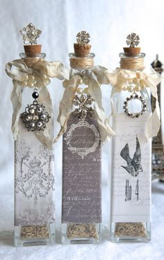 32 Insanely Gorgeous Upcycling Projects For Your Residence -Recycled Glass Bottle Projects Recycled Glass Bottles, Glass Bottle Crafts, Wine Bottle Art, Diy Bottle, Bottle Lamps, Altered Bottles, Antique Bottles, Vintage Bottles, Bottles And Jars