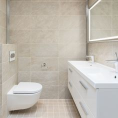 Ajaton kylpyhuone ja pieni wc │ Laattapiste Beige, Alcove, Laundry Room, Bathtub, Interior Design, Bathroom, Kitchen Ideas, Home, Moldings