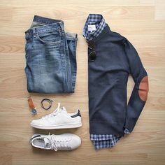 Outfit grid - Elbow patch sweater