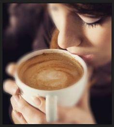 Creamos e inspiramos grandes ideas y grandes sueños  Vive mejores momentos en compañía de nosotros y deléitate con el mejor café  Conócenos en el C.C. Metrocenter pasaje colonial. #CoffeeLovers #CoffeeBreak #CoffeeTime #AromaDiCaffé #SaboresAroma #MomentosAroma