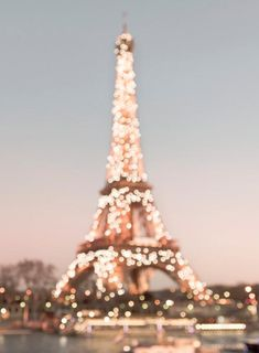 The Eiffel Tower twinking on a winter night. Cozumel Mexico, Cinque Terre, New Travel, Paris Travel, Overseas Travel, Tour Eiffel, Twinkle Lights, Twinkle Twinkle, Paris Photography