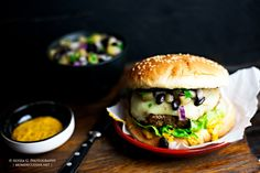 Tex-Mex Turkey Burgers with Black Bean-Pineapple Salsa and Chipotle Honey Mustard | Mom de Cuisine