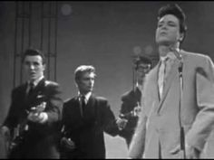 Cliff Richard & The Shadows - Move It (1958) - YouTube