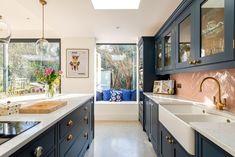 Large Open Plan Kitchens, Open Plan Kitchen Living Room, New Kitchen, Kitchen Reno, Kitchen Ideas, Kitchen Tile, Kitchen Extension Open Plan, Side Extension, Extension Ideas
