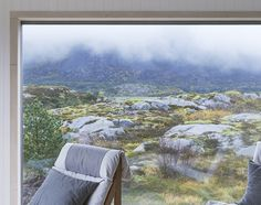 Rustic Cottage Design of Vega with Landscape Views #architecture #interior #landscape  find out more pictures here: http://reizco.com/panoramic-rustic-cottage-design-of-vega-with-landscape-views/