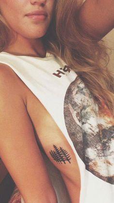 Women& Tree Rib Tattoo Ideas - Traditional Spruce Nature Tattoo Ideas for Women . - Women& tree rib tattoo ideas – traditional spruce nature tattoo ideas for women – www. Girl Rib Tattoos, Rib Tattoos For Women, Tattoos On Side Ribs, Side Boob Tattoo, Tattoos Skull, Tattoo Designs For Women, Leg Tattoos, Arm Tattoo, Tattoos For Guys