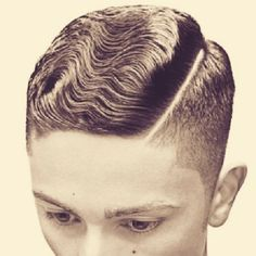 That crazy good wavey goodness Men's Haircuts, Cool Haircuts, Haircuts For Men, Mens Summer Hairstyles, Men's Hairstyles, Rockabilly Updo, Waves Curls, Vintage Man, Male Hair