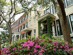 Savannah - oldest city in Georgia, Colonial period homes