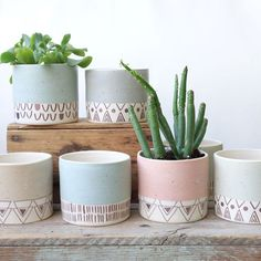 I'm pretty happy with the way these plant pots turned out. They are a special order for but you can be sure I'll be making… Painted Plant Pots, Painted Flower Pots, Planter Box Designs, Pots D'argile, Pottery Painting Designs, Keramik Design, Concrete Crafts, Diy Planters, Planter Boxes