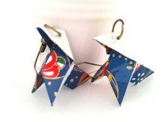 boucles d'oreille origami cocotte bleue et rouge en par papierelief