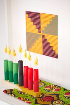 Create your own DIY Kwanzaa Decor and use these tips to make projects that reflect your own history and family traditions Crafts To Sell, Crafts For Kids, Diy Crafts, Mason Jar Crafts, Mason Jar Diy, Diy Kwanzaa Decorations, Winter Decorations, Happy Kwanzaa, Kwanzaa 2016