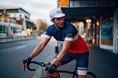 There's a cyclist in all of us so be sure to hit the road with these best cycling brands who make quality apparel, gear, clothing, jersey, shorts and socks. Cycling Wear, Road Cycling, Cycling Outfit, Cycling Clothes, Melbourne Hotel, Sartorialist, Arm Warmers, Bicycle, Club
