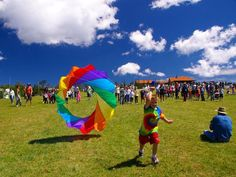 """Go Fly a Kite! ... at the free 12th annual """"Mile High Kite Festival"""" on Aug. 31, 10am - 4pm, held in a meadow high up on Beech Mountain, overlooking Banner Elk, not  far from the Blue Ridge Parkway near Boone and Grandfather Mountain ... the first 300 kids who arrive receive a kite for free ... there will also be serious adult flyers with state-of-the-art sailcloth kites with carbon-fiber rods.   Photo by Terry Murray via Asheville Citizen-Times"""