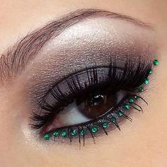 Black eyeshadow - Strass - Eye makeup