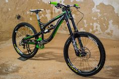 Can't ever go wrong with black and green - so sick! AGang Ninja DH from KUbajsz_Fišer - Vital MTB