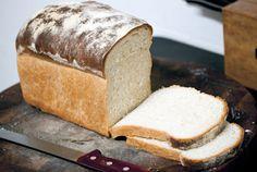 La Cucinetta: Pão-de-forma de sour cream pra converter marido chato