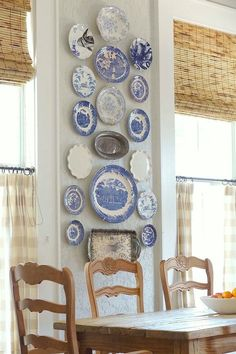 Vintage Decor Rustic OMG these blue plates are adorable for the cottage themed kitchen/dining room. There can be plates on display, in use, and matching tea sets. - These aren't your mother's decor ideas (they're your grandmother's). Vintage Home Decor, Rustic Decor, Farmhouse Decor, Farmhouse Style, Farmhouse Curtains, French Farmhouse, Vintage Clocks, Country Curtains, Rustic Curtains