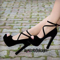 Black Heels #strappystilettoheels #stilettoheelsoutfit
