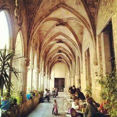 Convent de Sant Agustí - El Born - Barcelona, Spain El Born Barcelona, Visit Barcelona, Barcelona Spain, Gaudi, Great Places, The Neighbourhood, Places To Visit, Universe, Street View