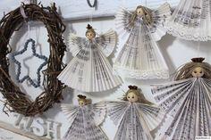 enkeli,joulu,joulukoriste,vanha kirja,tee itse,kranssi,Tee itse - DIY,joulukoti,tähti,kirjaimet