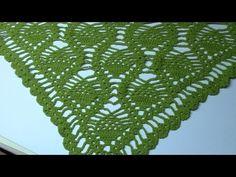 Stap-voor-stap instructies voor het maken van de gehaakte omslagdoek in de Scheepjes Limited Edition Yarn Kit voor Kika. De omslagdoek is ontworpen door Clai...