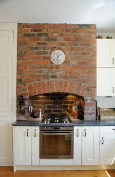 Terraced house kitchen - Contemporary - Kitchen - Yorkshire And The Humber - Sheffield Sustainable Kitchens Home Decor Kitchen, Interior Design Kitchen, Home Kitchens, Kitchen Ideas, Kitchen Chimney, Kitchen Stove, Kitchen Cooker, Terraced House, Layout Design