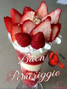 Immagini buongiorno per whatsapp foto, #buongiorno #foto #immagini #per #whatsapp Italian Memes, Good Morning Good Night, Strawberry, Food, Girl Photography, Tea Time, Pandora, Pizza, Link
