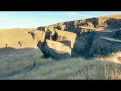 Huge Crack in the Earth Opens Up East of Yellowstone Caldera by Big Horn Mountains - YouTube