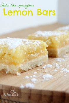 Welcome spring with these delicious Lemon Bars! | As Mom Sees It #recipe #dessert