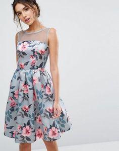 Vestido midi con estampado floral y acabado en satén de Chi Chi London