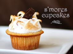 S'mores cupcakes ...sound perfect for a summer BBQ