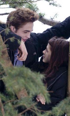 Twilight - Edward Cullen & Bella Swan (Robert Pattinson and Kristen Stewart)