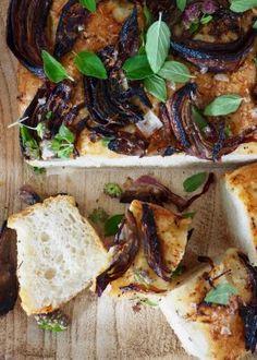 Skikkelig gode pestosnurrer med skinke og ost - Mat På Bordet Bacon, Pork, Meat, Ethnic Recipes, Kale Stir Fry, Pork Chops, Pork Belly