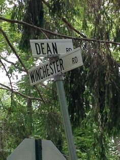 "Dean Winchester ||| ""Haha it's on a crossroads I'm emotionally dead inside."""