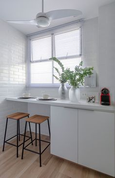 10 trend inspirations for the kitchen design - Home Fashion Trend Small Cottage Kitchen, Home Decor Kitchen, Kitchen Furniture, Kitchen Design, Bar Table Design, Industrial Style Kitchen, Apartment Balcony Decorating, Home Decor Inspiration, Decoration