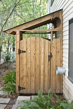 Idea for outdoor shower, minus the roof. Garden shed or place to hide garbage cans. Outdoor Spaces, Outdoor Living, Outdoor Decor, Outside Showers, Outdoor Showers, Garden Structures, Outdoor Structures, Outdoor Bathrooms, Lean To