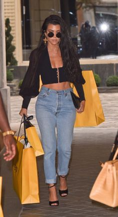 Kourtney Kardashian Style 8 - Celebrity Style News: Celebrity Style Fashion and Latest Trends Street Style Outfits, Mode Outfits, Fashion Outfits, Womens Fashion, Fashion Trends, Fashion Clothes, Style Clothes, Jeans Fashion, Koko Kardashian