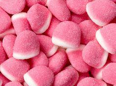 Prepara gomitas caseras sabor fresa. Las gomitas son un snack ideal para cualquier hora que a todos les encantan.