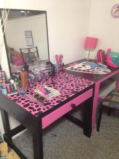 Pallet Desk And Vanity   Monster High For Our Granddaughter!